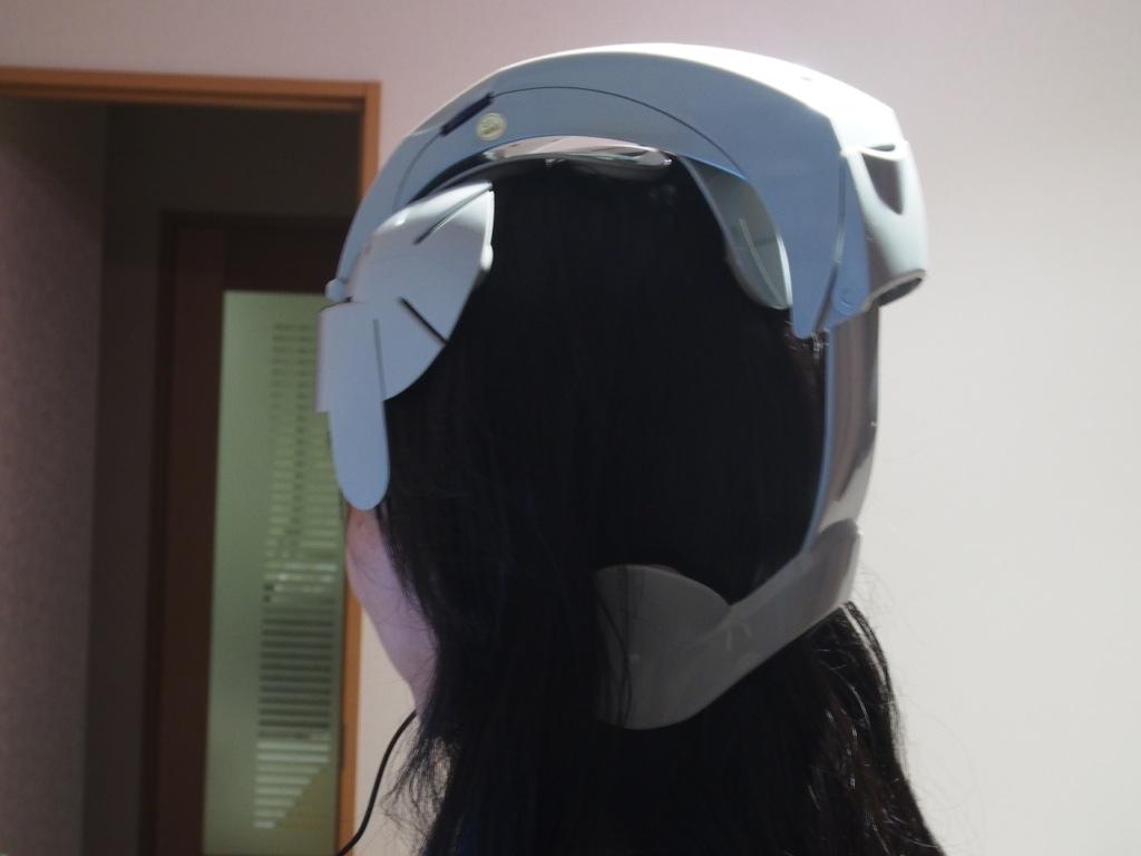 USBブルブルヘルメット